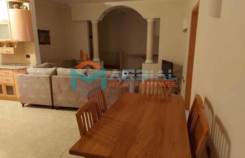 Apartament Me qira rr. 5 maji